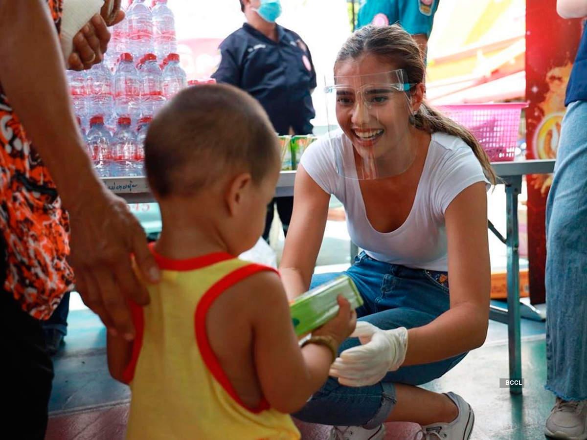 Anntonia Porsild distributes essentials to the needy amid Covid-19