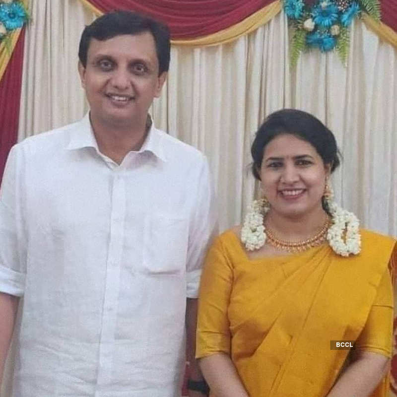 Inside pictures from Kerala CM's daughter's marriage, who tied the knot with DYFI leader