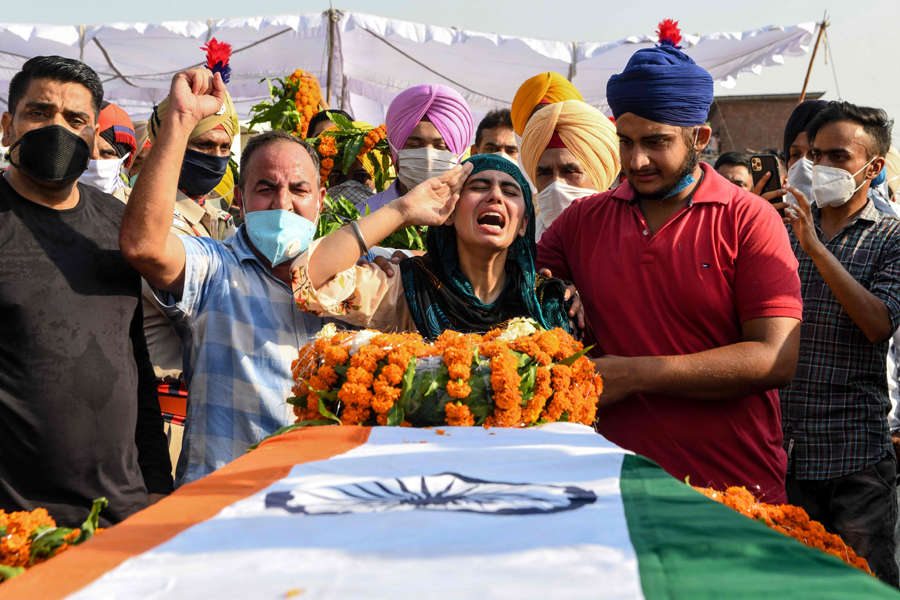 Nation pays tributes to soldiers martyred in Galwan Valley