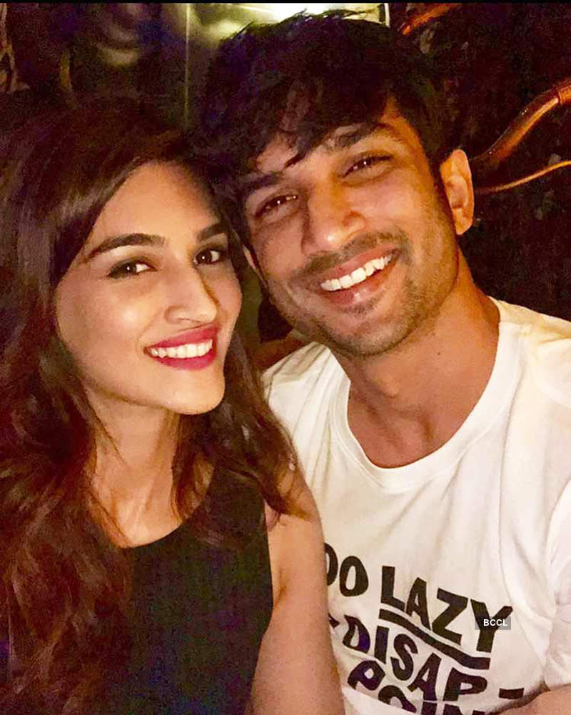 Unmissable party pictures of late actor Sushant Singh Rajput with his BFFs