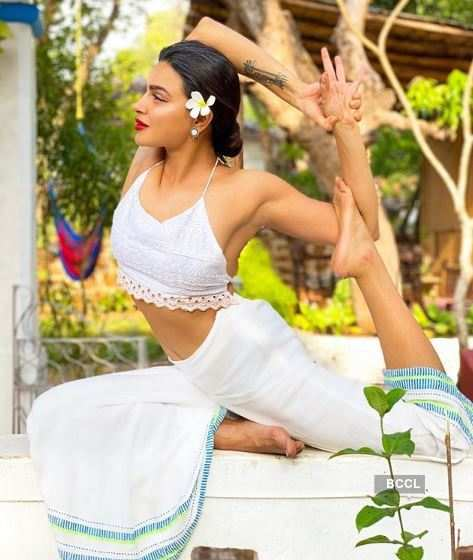 Yoga Day: Actress Aashka Goradia's asanas will blow your mind