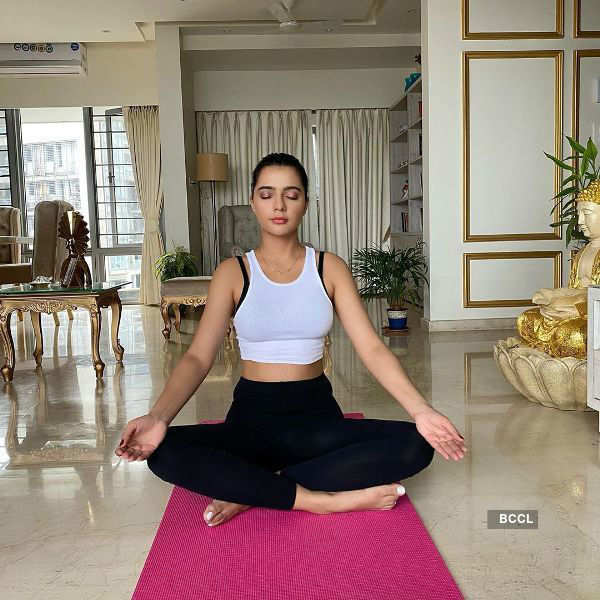 Beauty queens celebrate International Yoga Day