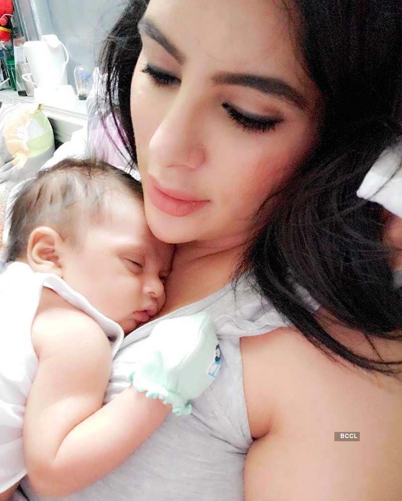 Choti Sarrdaarni fame Mansi Sharma reveals adorable picture of her newborn baby boy