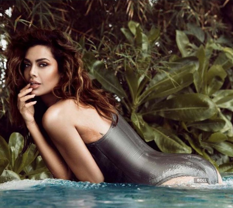 Esha Gupta is turning up the heat with her captivating pictures