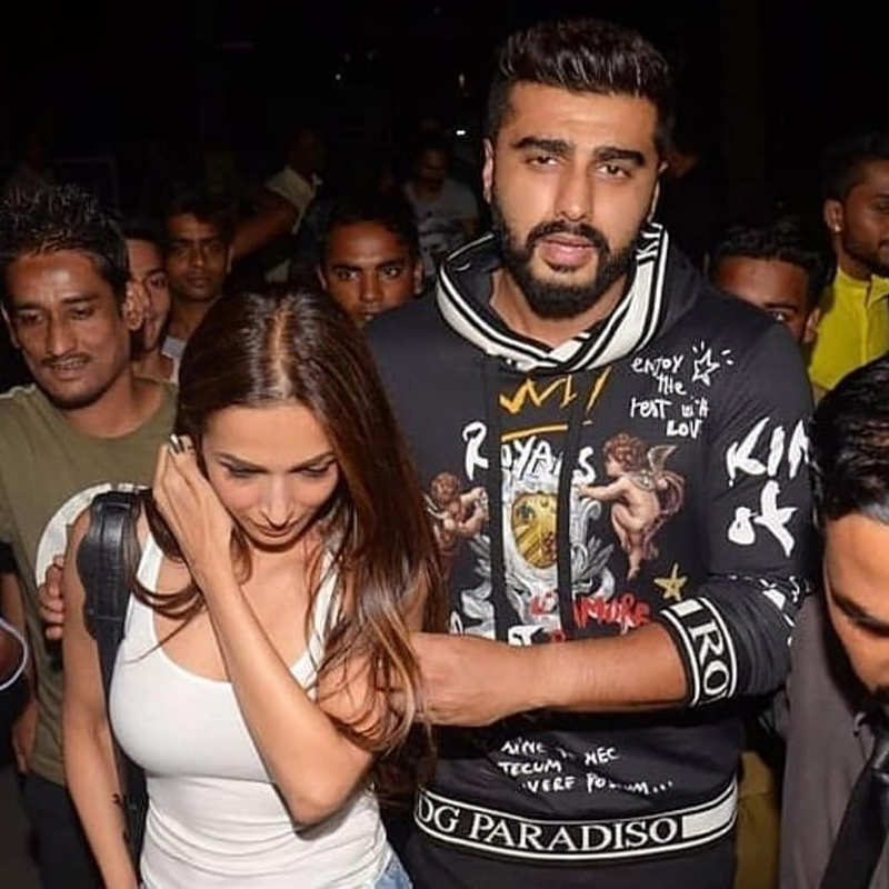 These romantic pictures of Arjun Kapoor with his ladylove Malaika Arora on actor's birthday you just can't miss!