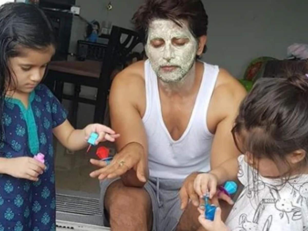 Karanvir Bohra with twins Bella and Vienna