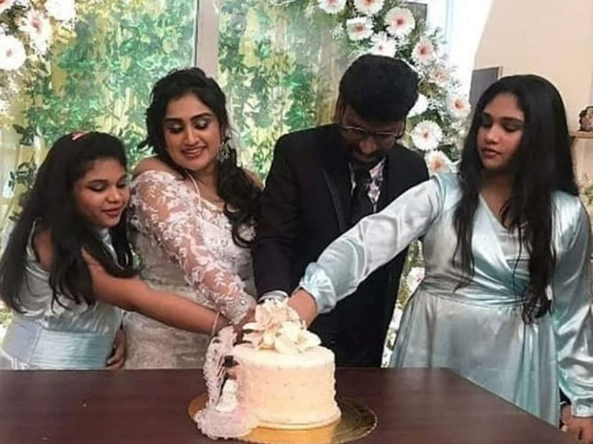 Bigg Boss Tamil 3 fame Vanitha Vijaykumar gets married to Peter Paul