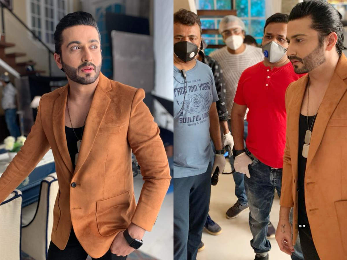 Dheeraj gets ready for his scene