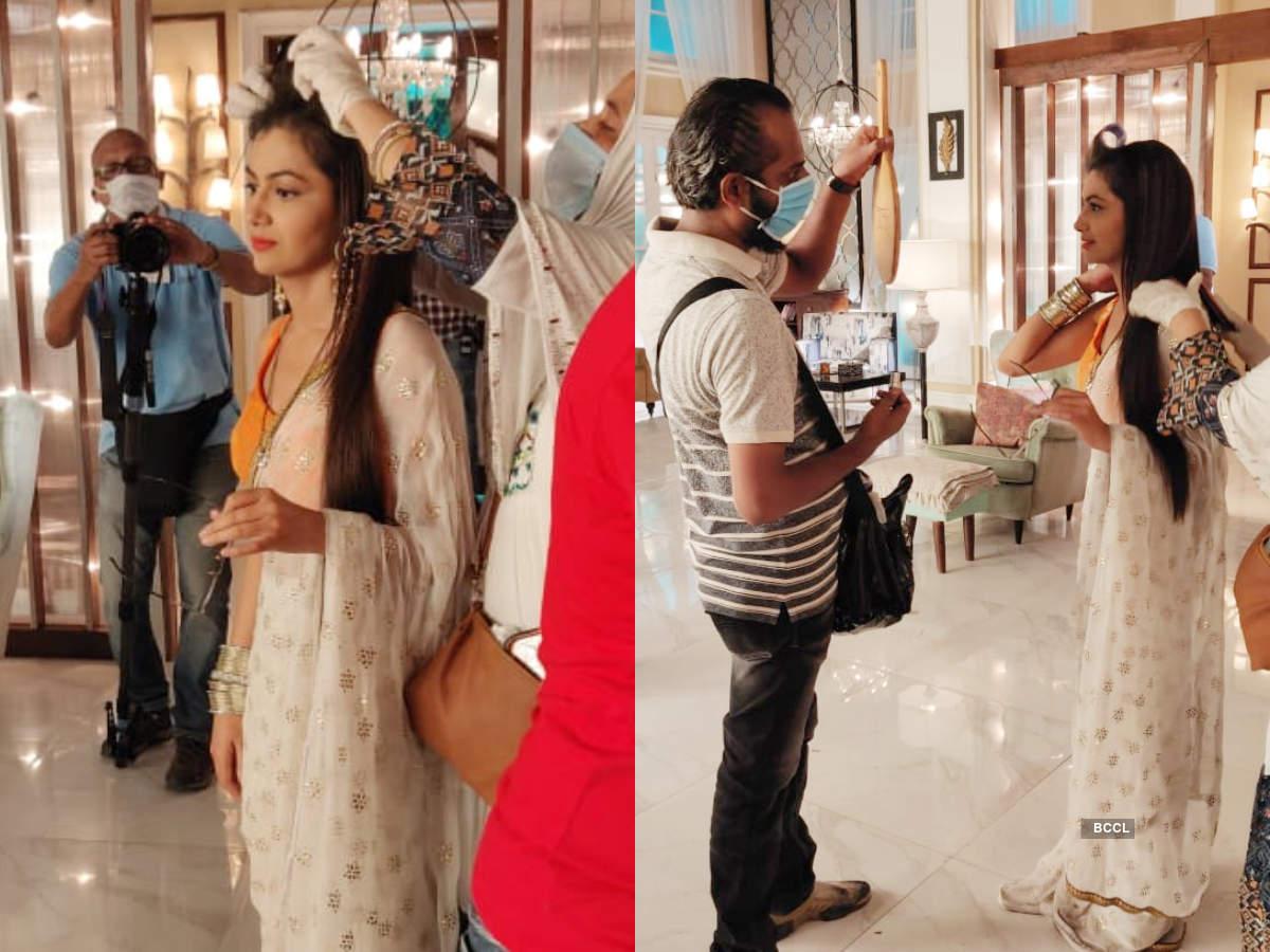 Sriti Jha gets ready