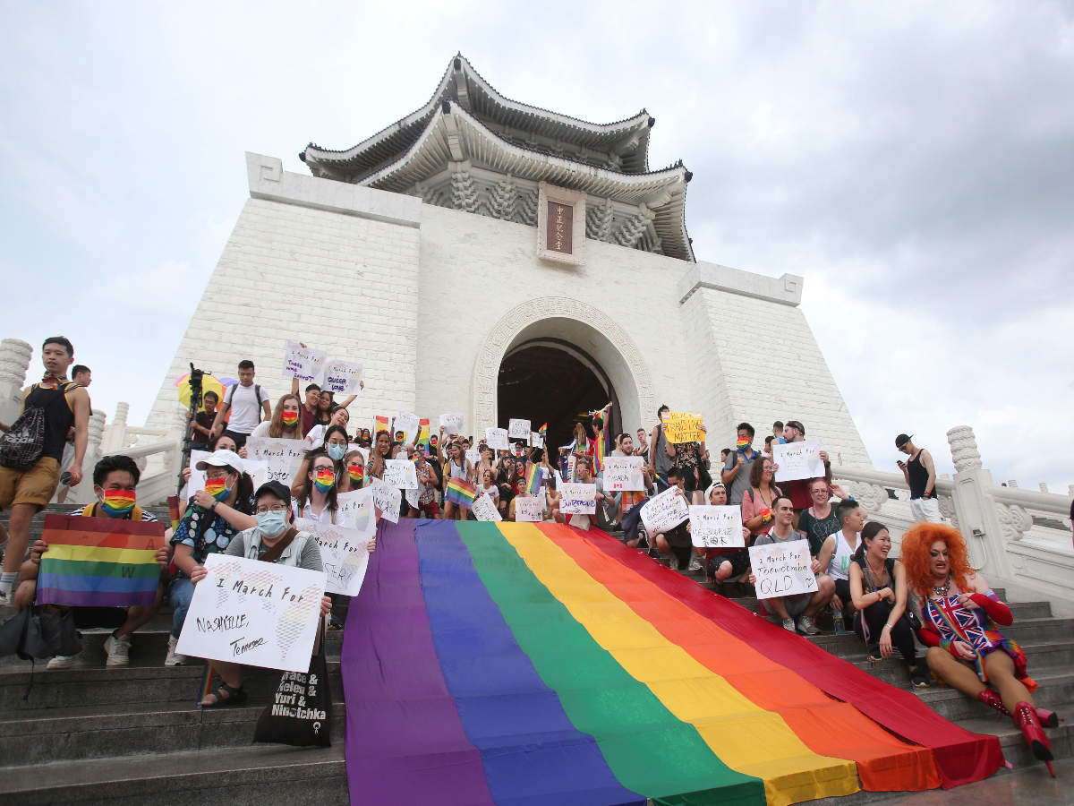 Rain did not stop citizens in Taipei from celebrating pride