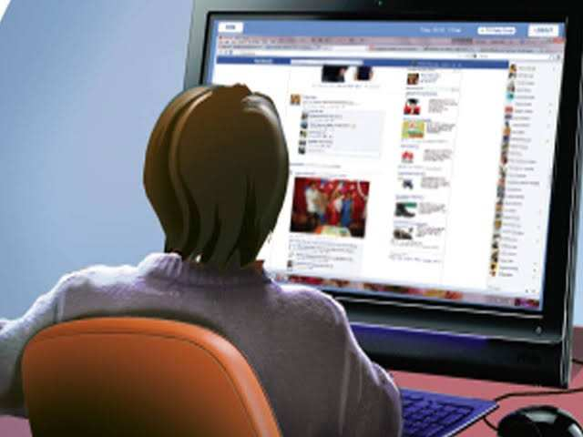 CBSE joins hands with Facebook to launch online curriculum to train 10,000 students