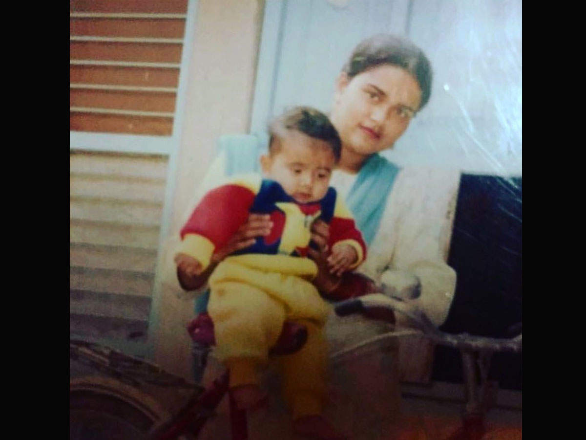 ​Recalling his late mother, Amrit Maan shares a sweet picture