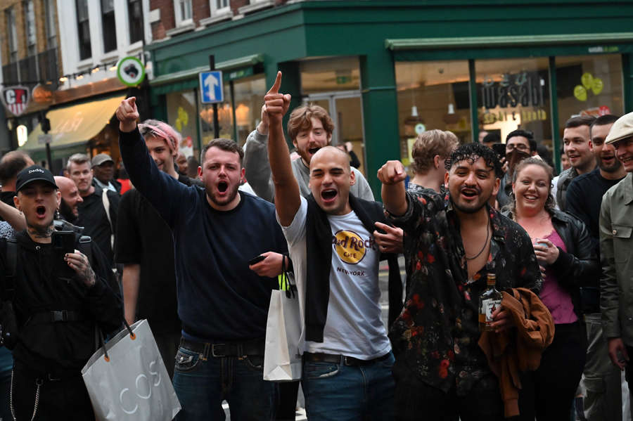 Bars, pubs, and salons re-open in UK