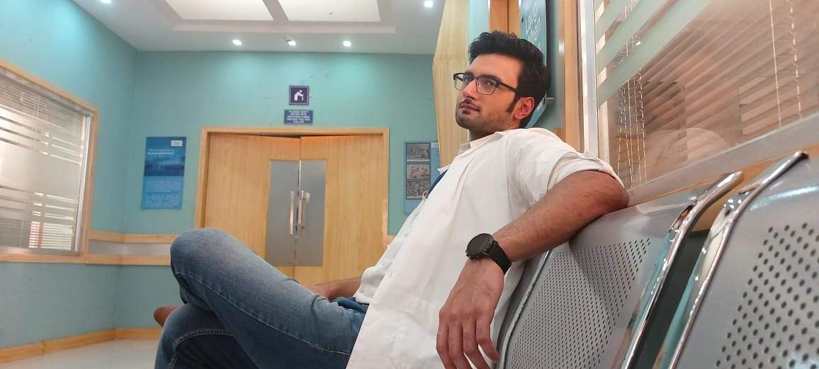 Sean Banerjee in Ekhane Akash Neel.