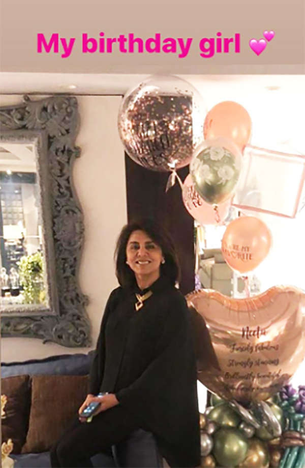 Pictures from Neetu Kapoor's special birthday dinner with Ranbir and Riddhima Kapoor