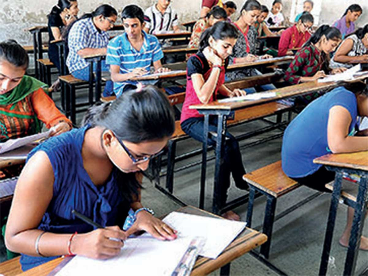 Gujarat Board mulls at reducing syllabus for classes IX-XII