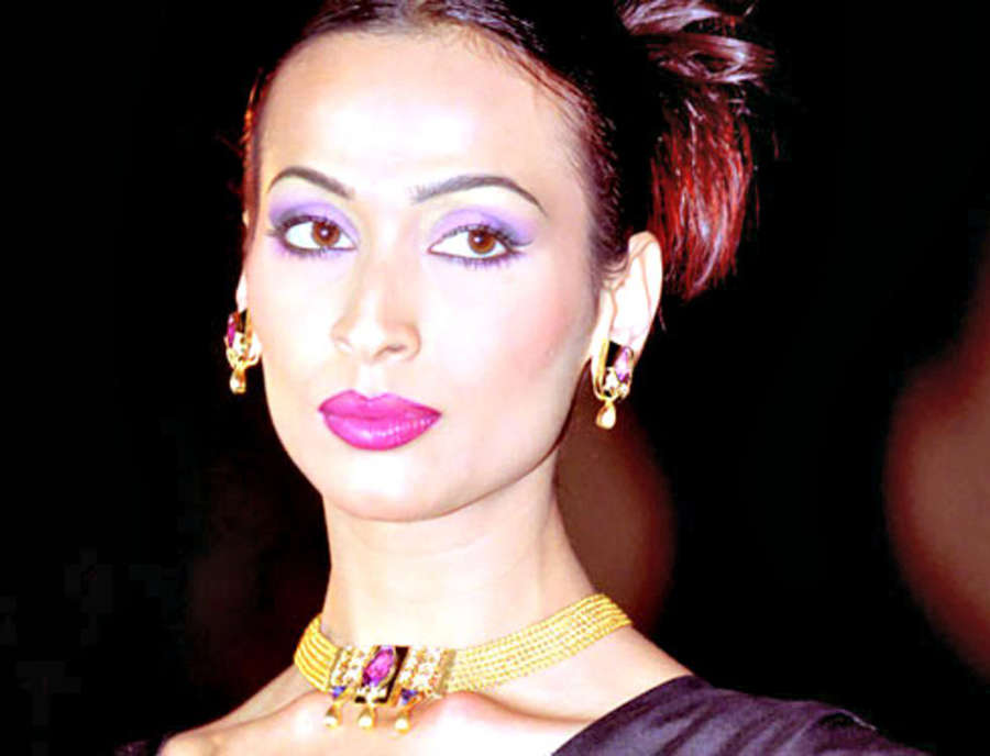 Know more about yesteryear supermodel Madhu Sapre