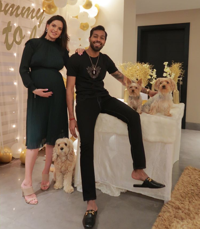 Hardik Pandya & fiance Natasa Stankovic wins the internet as they share latest pictures