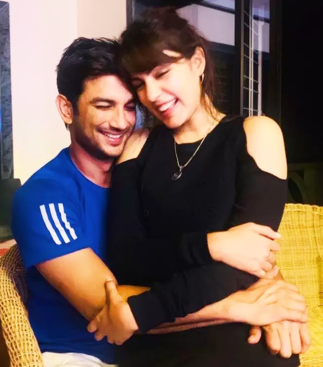 Rumoured GF Rhea Chakraborty shares happy pictures with Sushant Singh Rajput a month after his demise