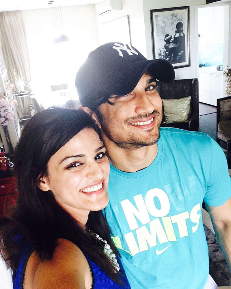 "Sushant Singh Rajput's sister pens emotional post for her brother, says, ""your presence is felt so strongly"""