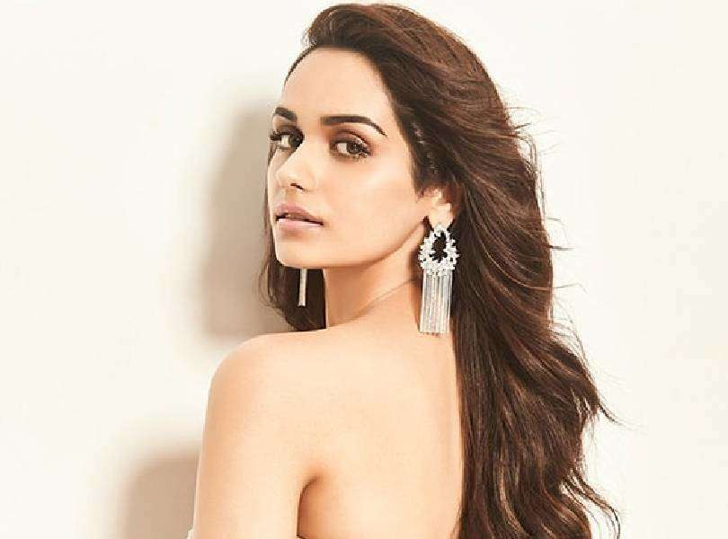 Manushi Chhillar calls painting, her form of therapy