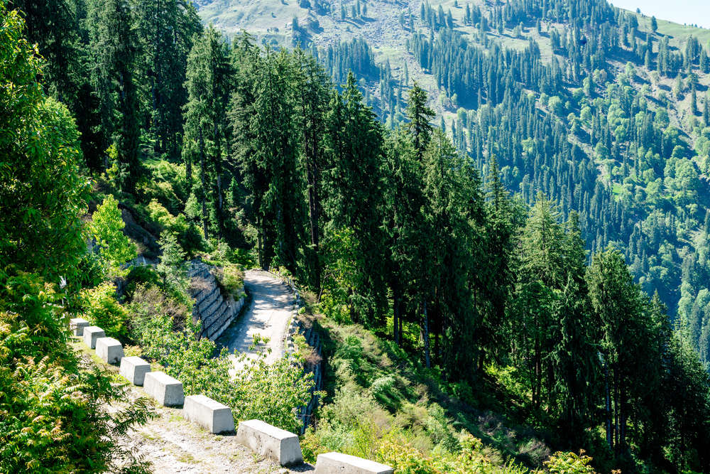 Himachal Pradesh government takes strict measures to check entry of tourists