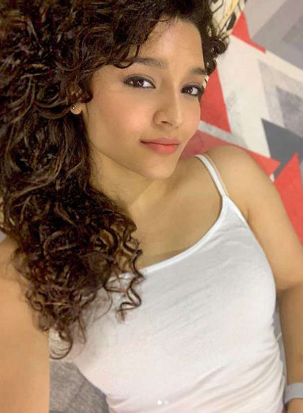 Alluring pictures of Ritika Singh you surely can't give a miss!
