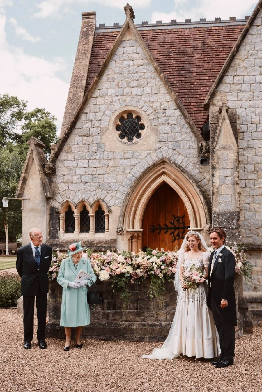 Queen's granddaughter, Princess Beatrice's marries in secret