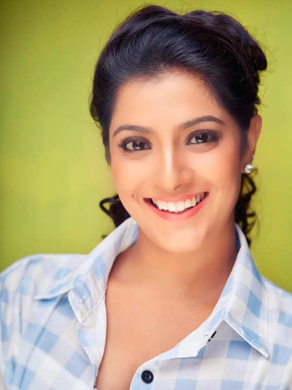 Varalaxmi Sarathkumar reveals her plans of joining politics