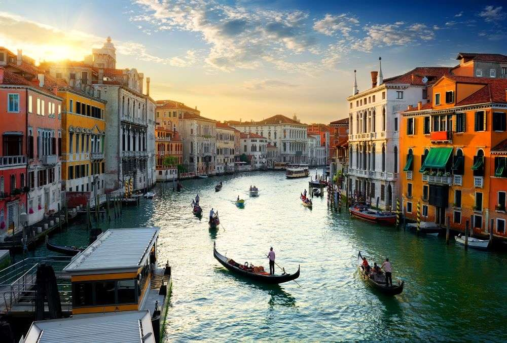 Venice reduces carrying capacity of gondolas, as tourists have grown 'overweight'