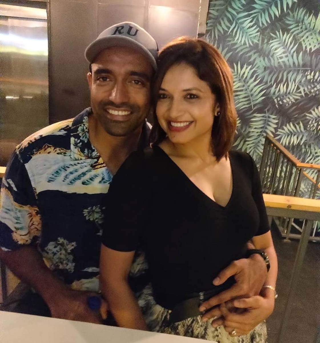 Robin Uthappa and his wife former tennis player Sheethal give major couple goals