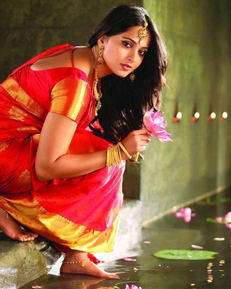 Anushka Shetty thanks fans for wishes and support as she completes 15 years in the entertainment industry