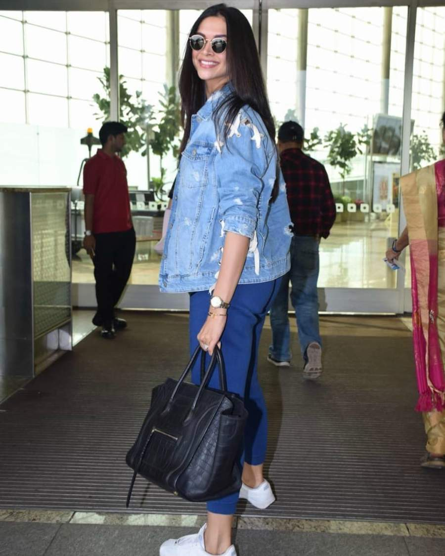 Bollywood diva Deepika Padukone keeps airport-style simple