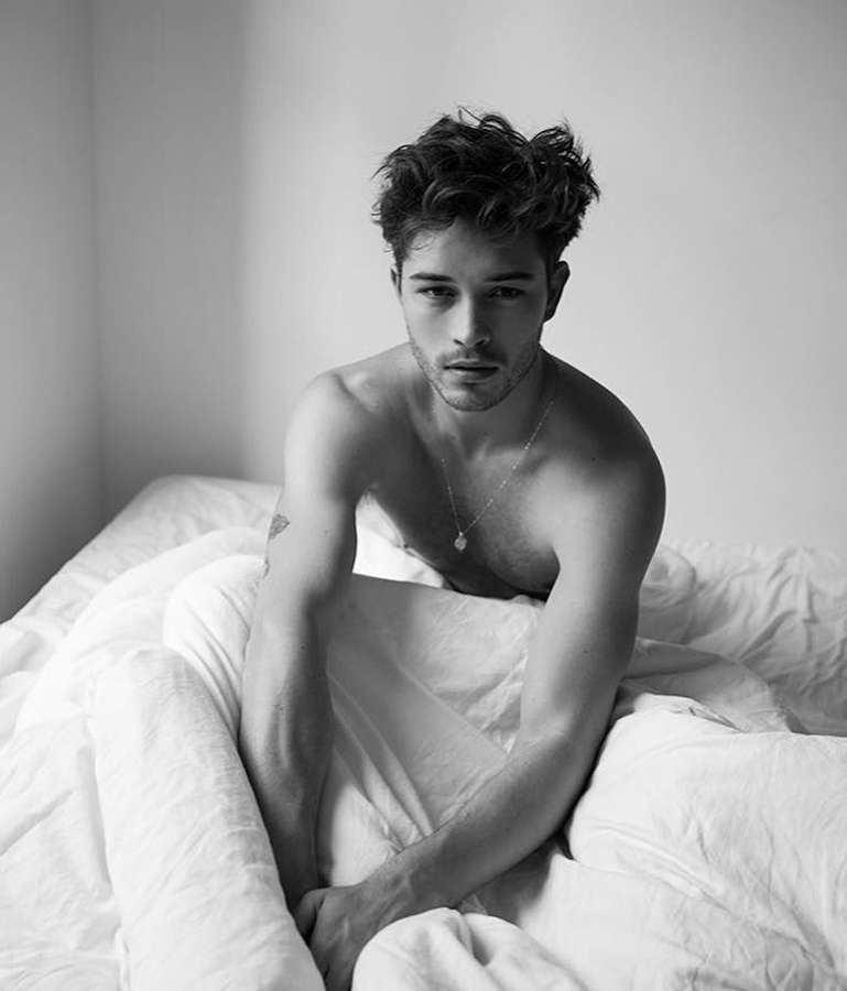 Know more about Francisco Lachowski, the 'male model legend'