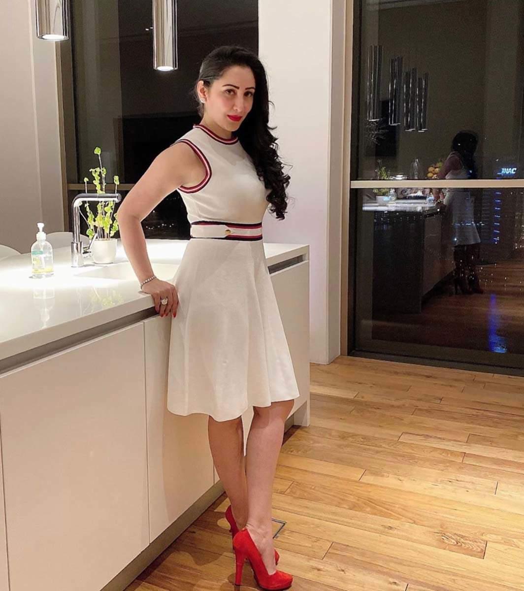 Glamorous pictures of Sanjay Dutt's beautiful wife Maanayata Dutt