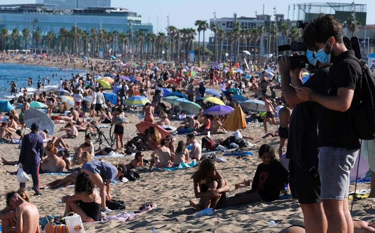 Coronavirus rate triples after lockdown easing in Spain