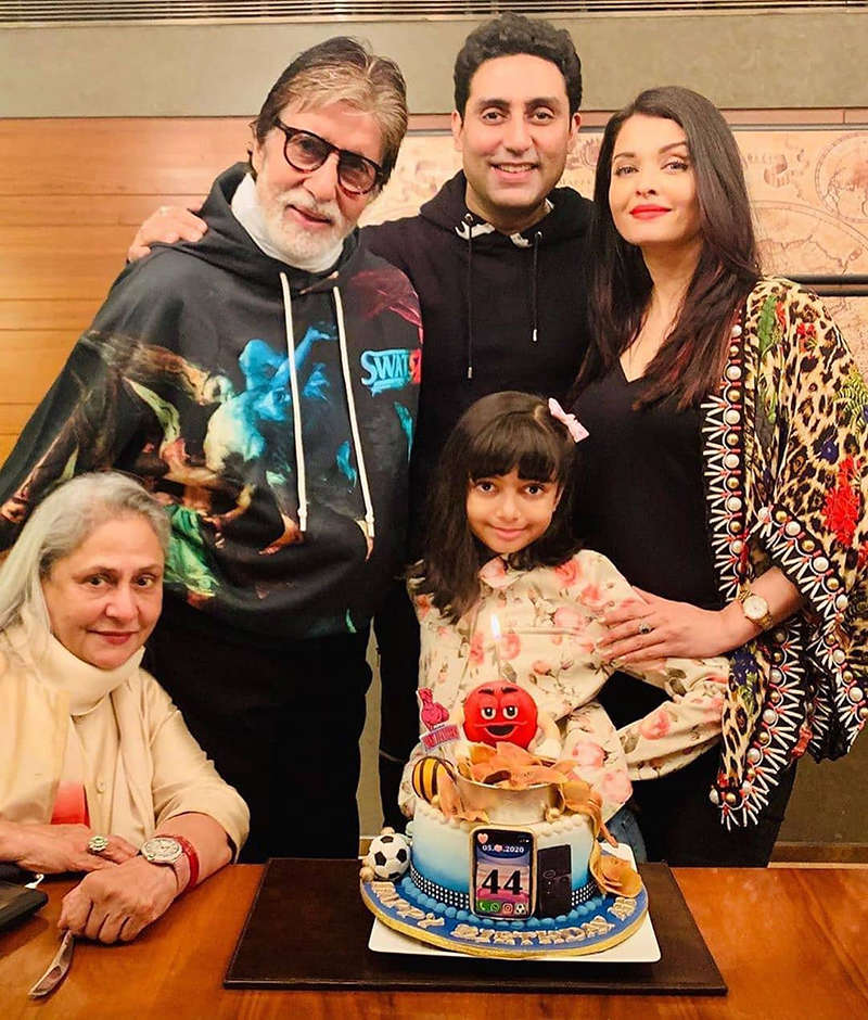 Amitabh Bachchan gets teary-eyed after Aishwarya Rai Bachchan & little Aaradhya test negative for COVID-19