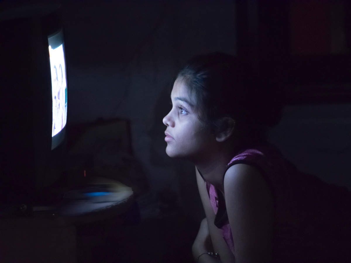 5 foods for eye health to include in your kid's diet as their screen time goes up during the pandemic  | The Times of India
