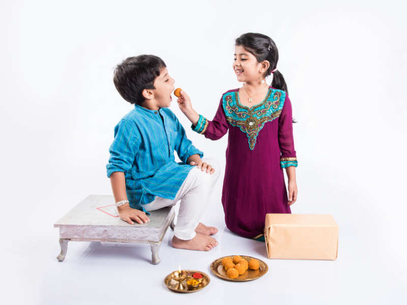 Happy Raksha Bandhan 2020: Rakhi Messages, Quotes, Images and Wishes