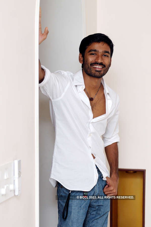 Dhanush to pair up with Hansika Motwani for the second time in a movie