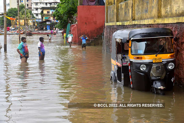 Massive rain lashes Mumbai