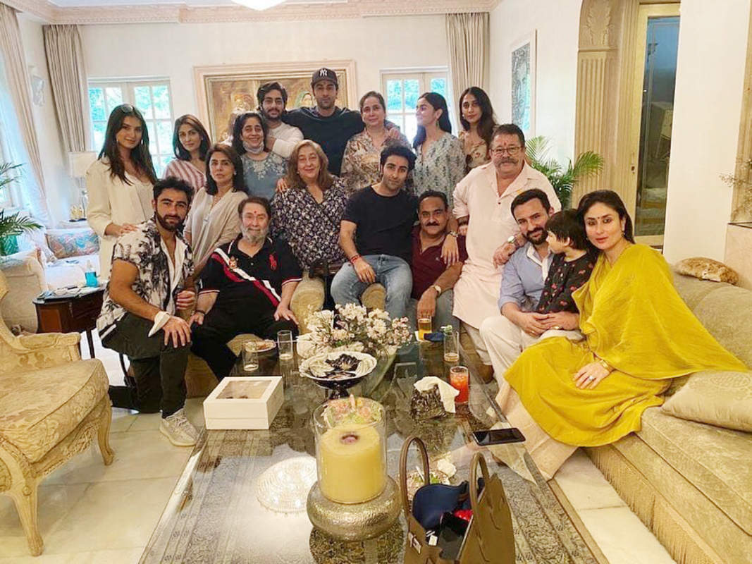 Alia Bhatt and Tara Sutaria join Kapoor clan; enjoy big fat Rakhi lunch