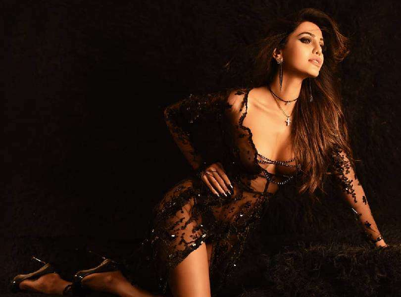 Natasha Suri looks absolutely breathtaking in her latest photoshoot