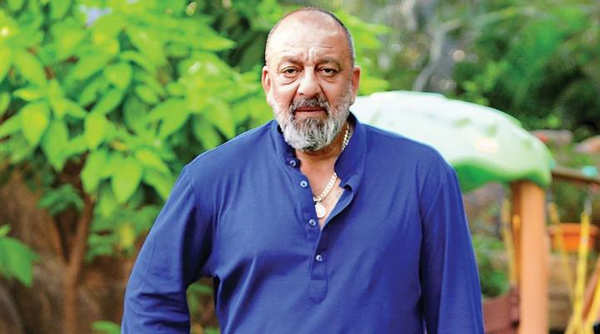 Sanjay Dutt celebrates Ganesh Chaturthi with wife Maanayata
