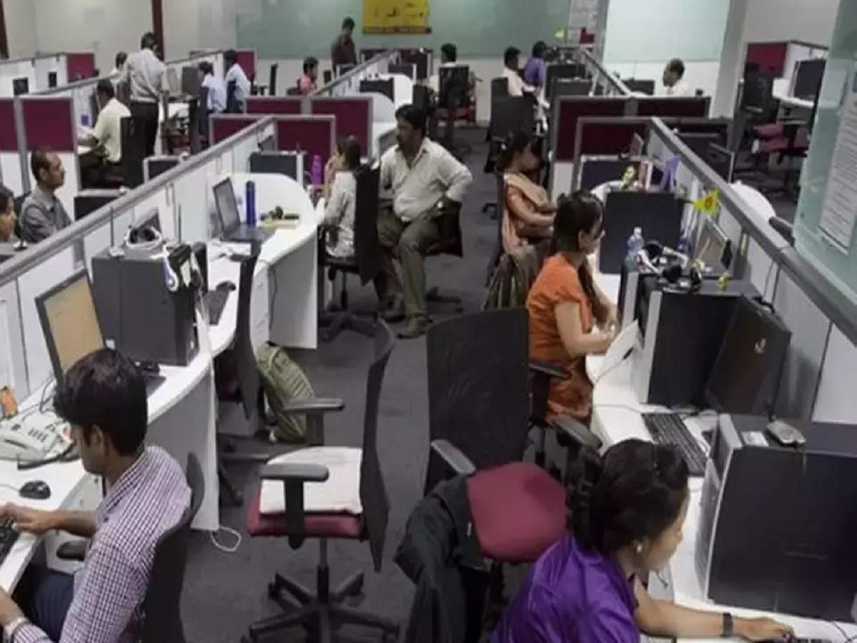 Around 50% professionals unwilling to join physical workplace