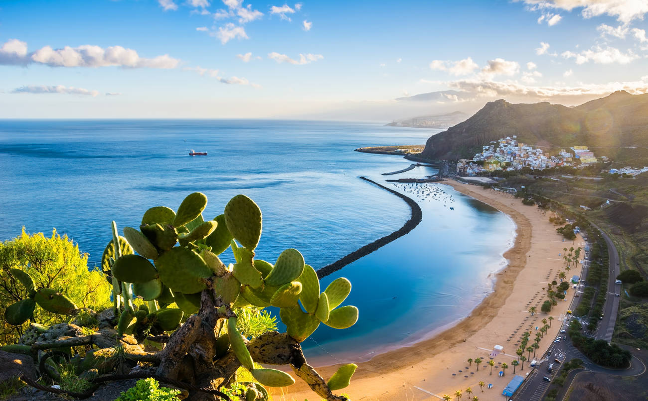 Canary Island give free COVID-19 insurance for travellers, find out more here