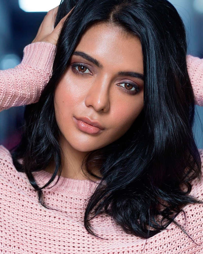 Beauty queen turned actress Ruhi Singh starts her YouTube channel