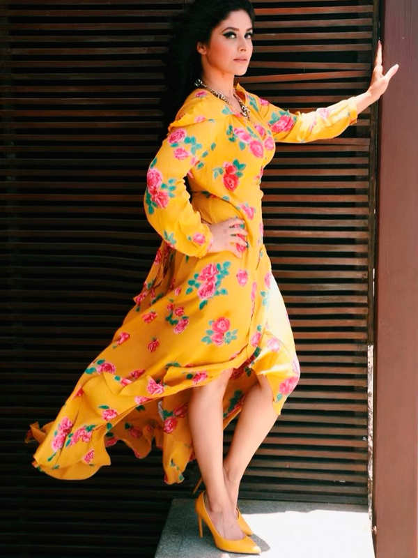 Kasautii Zindagii Kay actress Shubhaavi Choksey celebrates hubby's birthday amid lockdown