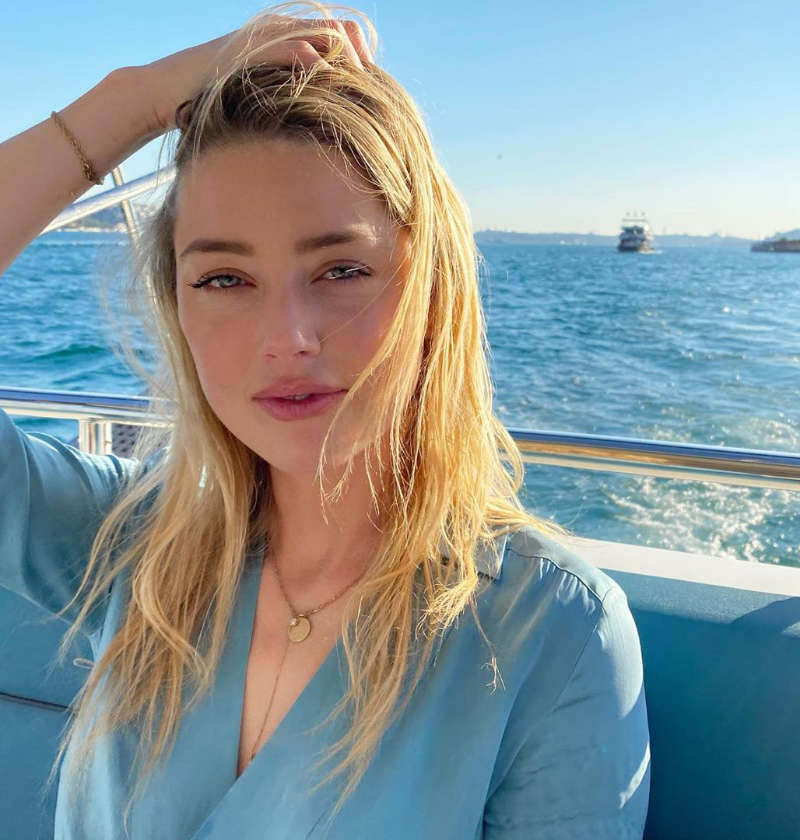 Amber Heard gets trolled over 'inappropriate' outfit while visiting a mosque, actress gives it back