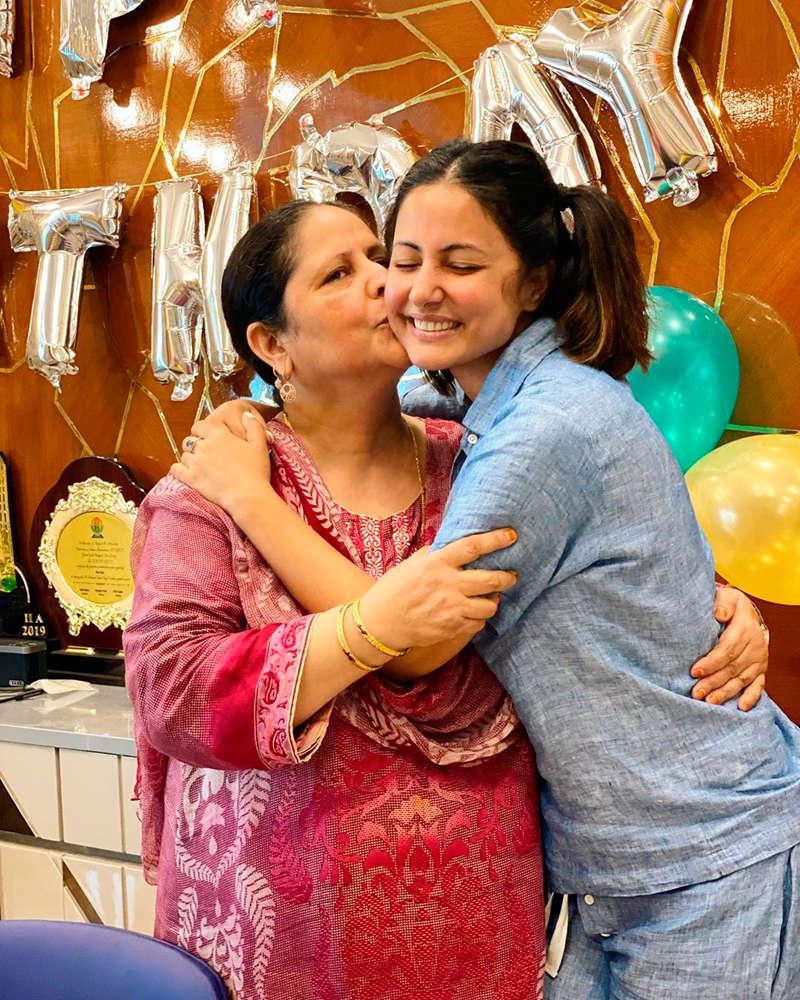 Hina Khan celebrates mother's birthday with boyfriend Rocky Jaiswal